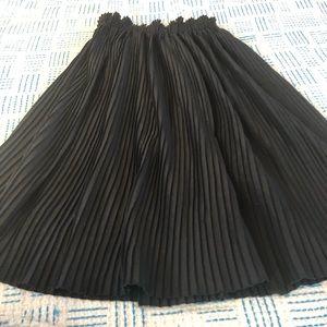 Anthropologie A Million Pleats midi skirt - XS